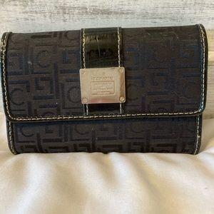 Liz Claiborne trifold wallet. Black and gold.